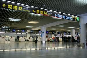 Autovuokraamo Alicante Lentokenttä