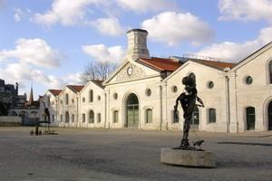 Autovuokraamo Angoulême