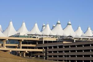 Autovuokraamo Denver Lentokenttä