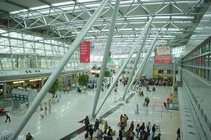 Autovuokraamo Düsseldorf Lentokenttä