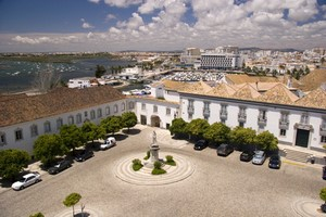 Autovuokraamo Faro
