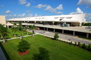 Autovuokraamo Fort Myers Lentokenttä