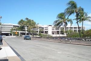 Autovuokraamo Honolulu Lentokenttä