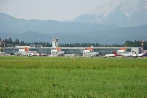 Autovuokraamo Ljubljana Lentokenttä