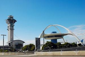 Autovuokraamo Los Angeles Lentokenttä