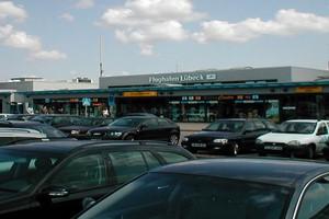 Autovuokraamo Lyypekki Lentokenttä