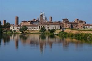 Autovuokraamo Mantova