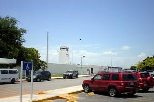 Autovuokraamo Merida Lentokenttä