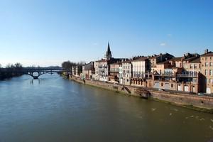 Autovuokraamo Montauban