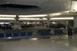 Autovuokraamo New Orleans Lentokenttä