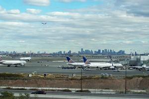 Autovuokraamo Newark Lentokenttä