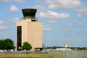 Autovuokraamo Orlando Lentokenttä