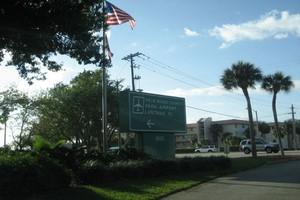 Autovuokraamo Palm Beach Lentokenttä