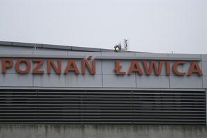 Autovuokraamo Poznan Lentokenttä