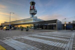 Autovuokraamo Rotterdam Lentokenttä
