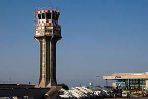Autovuokraamo Sisilia Palermo Lentokenttä