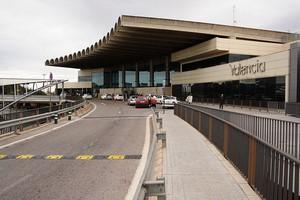 Autovuokraamo Valencia Lentokenttä