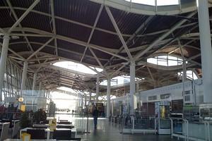 Autovuokraamo Zaragoza Lentokenttä